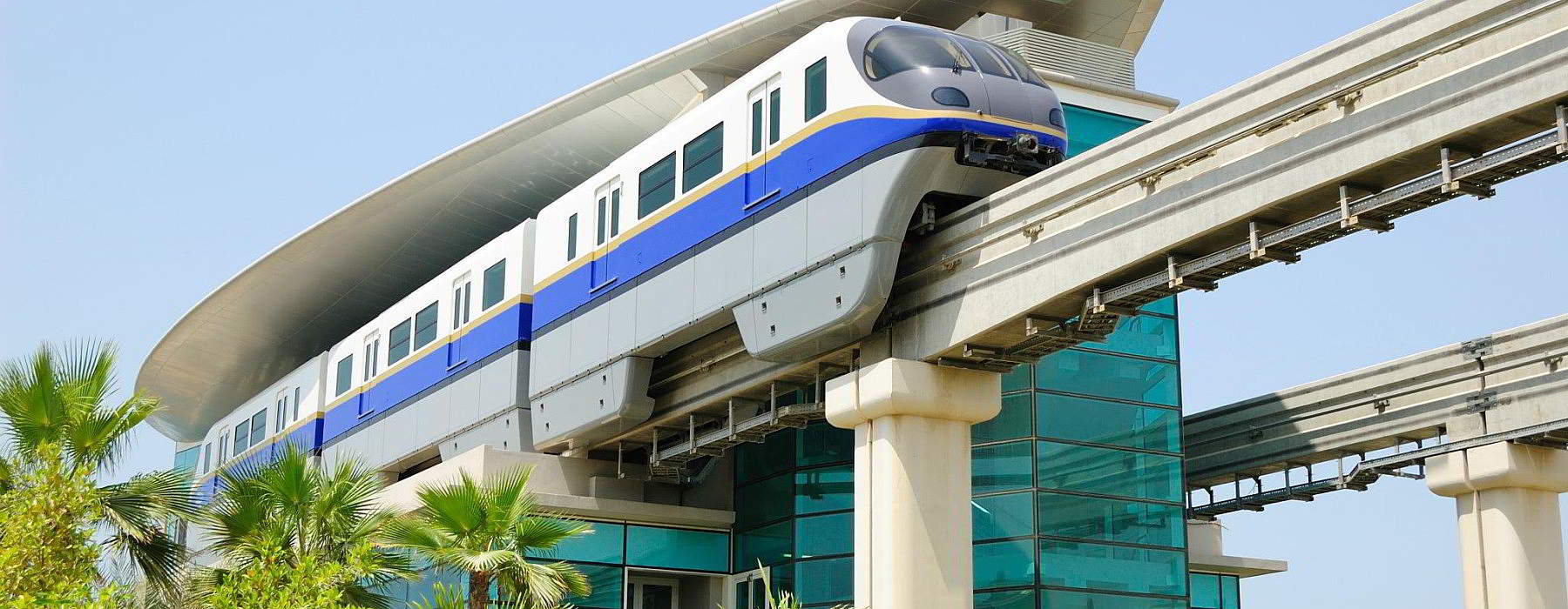 Dubai getting around monorail